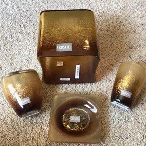 Croscill gold bathroom set like new